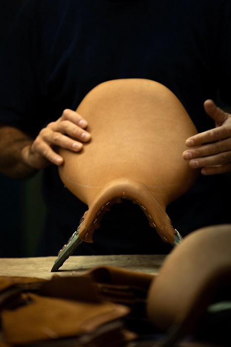 Fourth step of the making of a high quality custom saddle