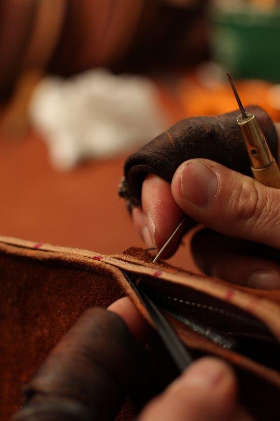 Antarès fabrication selle cheval en cuir sur mesure pour l'équitation