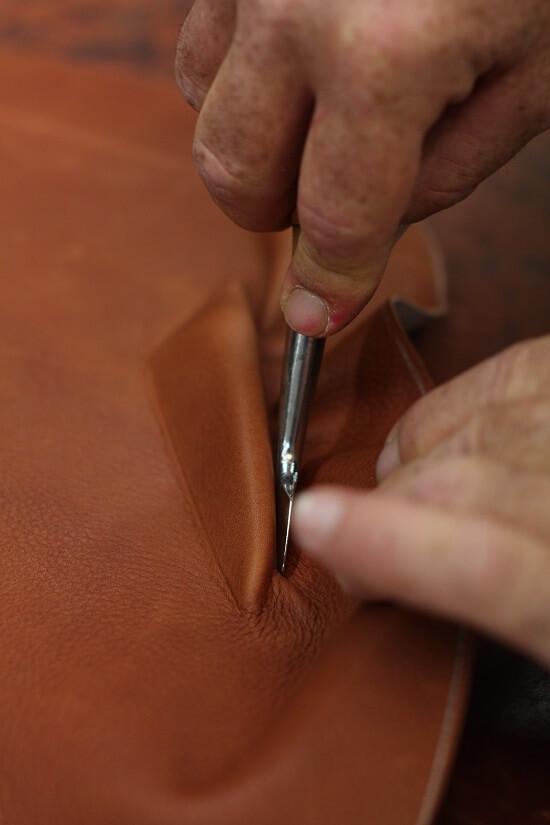 Selle sur mesure cheval en cuir Antarès fabrication française equitation