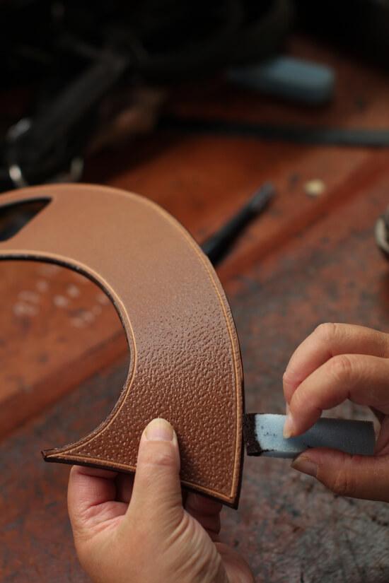 Fabrication selle sur mesure équitation cuir Antarès