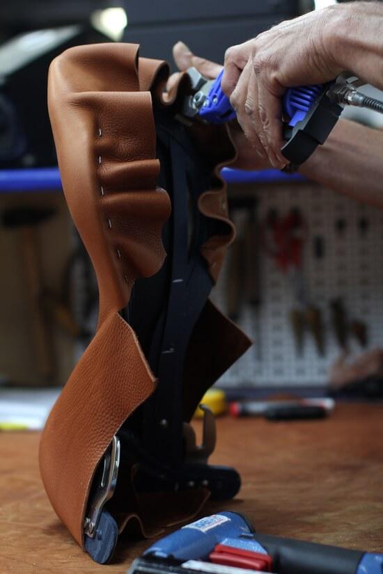 Antarès fabrication selle de cheval pour l'équitation sur mesure en cuir
