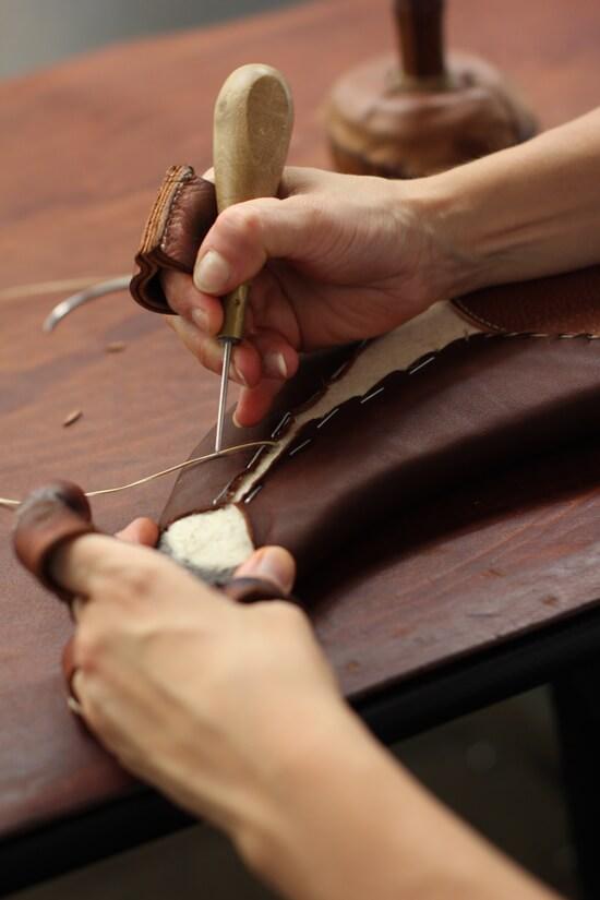 Fabrication selle antars equitation cheval sur mesure cuir