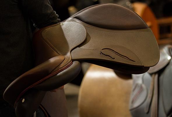 selle occasion antares sellier selle de cheval sur mesure en cuir selle poney marque luxe